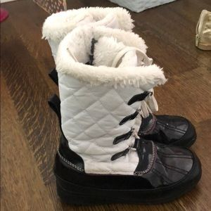 Totes rain/ snow boots. Girls. Size 13